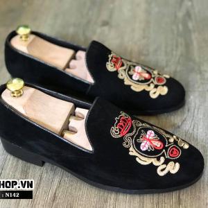 Giày lười nam giá rẻ kiểu dáng nhung thêu ong đỏ N142